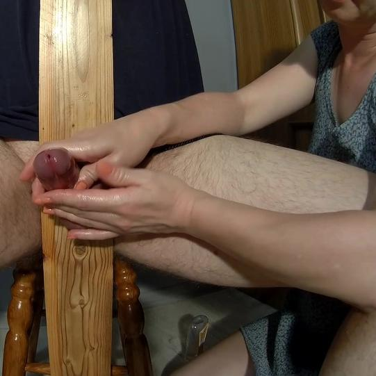 Amateur wife Maya and her kinky games