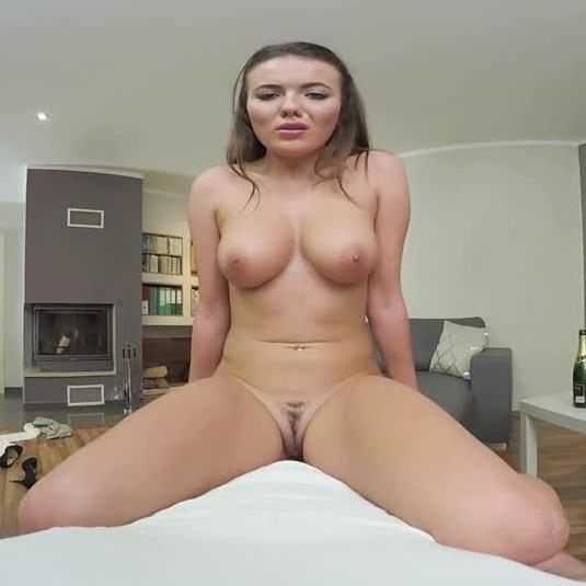 Hot Venessa Shows Her Dick Riding Skills