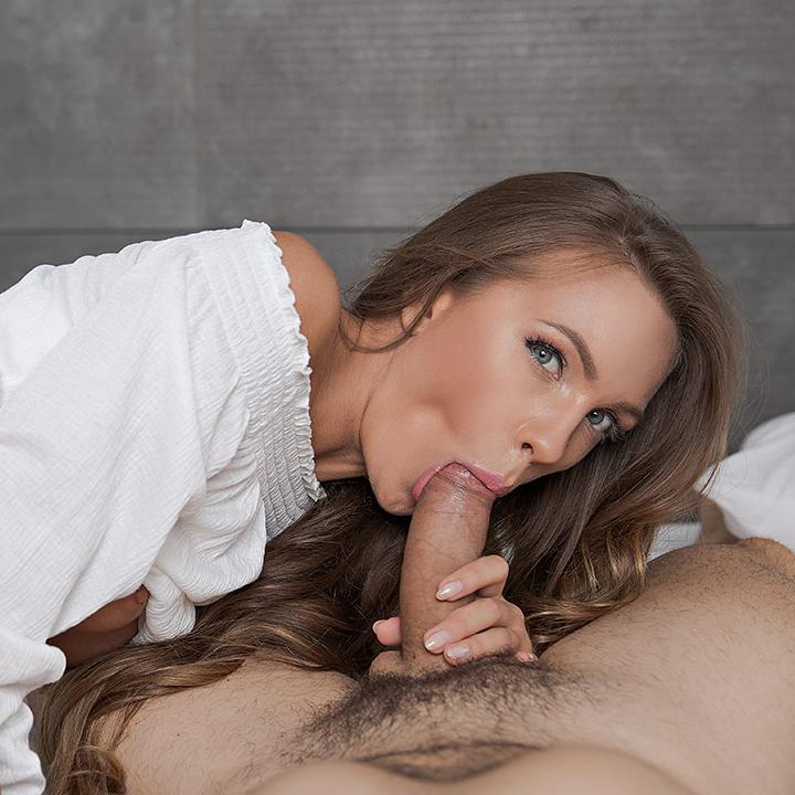 Gorgeous babe Veronica Clark needs a hard fuck early in the morning