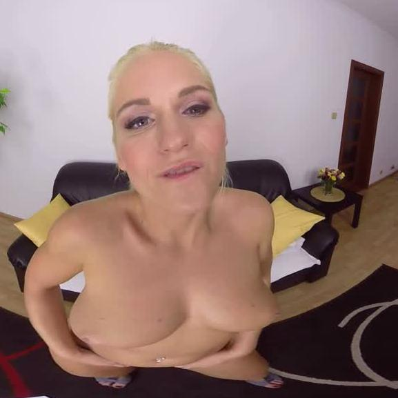 Blonde's Beautiful Breast Bouncing